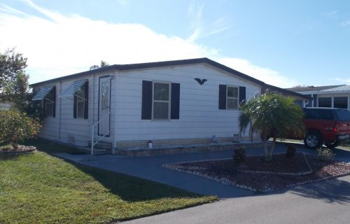 1987 Tropical 2 Bed 1 Bath Home PLUS 1 Year FREE Rent