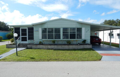 1985 2 Bed 2 Bath Twin Home in The Grove PLUS 6 Months FREE Rent